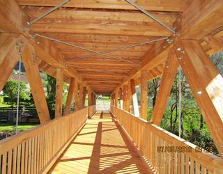 Radwegbrücke aus Holz - Gemeinde Mühldorf