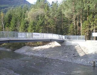 Radwegbrücke über den Pirknerbach - Bezirk Spittal / Kärnten / Austria.Bauherr: Abt. 17 B - Brücken und Tunnel
