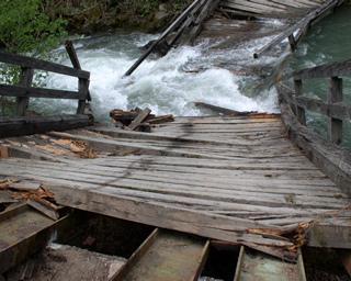 Schadensgutachten - Einsturz der Paternbrücke / Gail (L= 25 m)