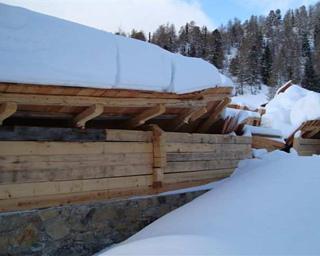 Einsturz des Schulterstadels in Innerkrems. Foto: Einsturz zufolge Schneebelastung.
